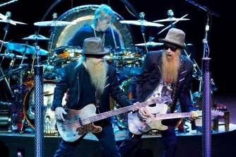 zz-top-performing-live-12