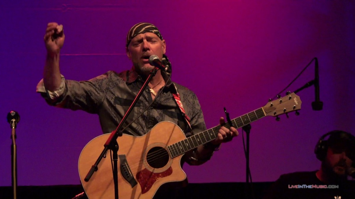 Rick Keene Music Scene – 'Survivorman' Les Stroud Places Enviromental Consciousness Into His Music