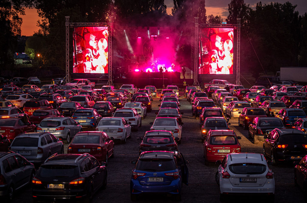 Rick Keene Music Scene. A Drive – In Concert;Unmasked