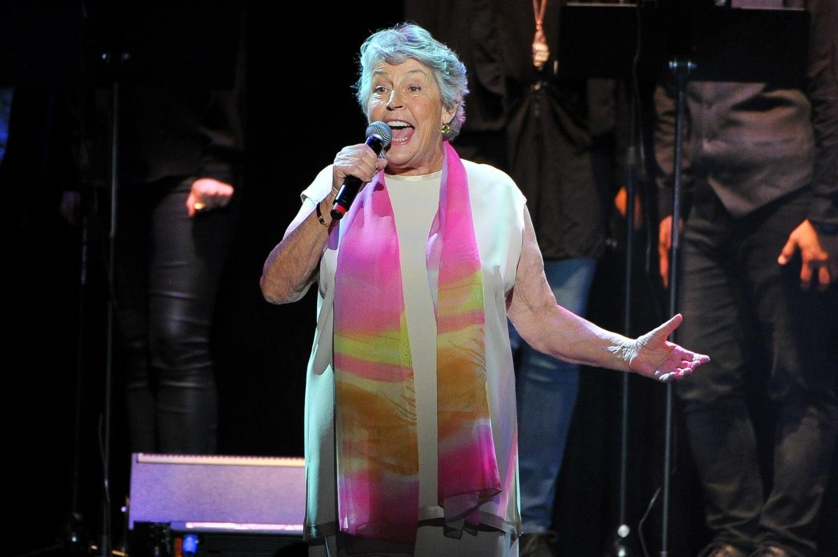Rick Keene Music Scene – A Review of  The Helen Reddy Biopic; 'I AmWoman'